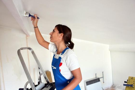 Сколько стоит покраска потолков квадратный метр